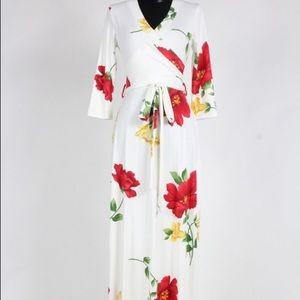 Beautiful Floral Maxi Dress 🌹
